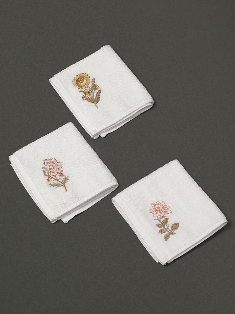 Off White Niagha Face Towel (Set of 3)