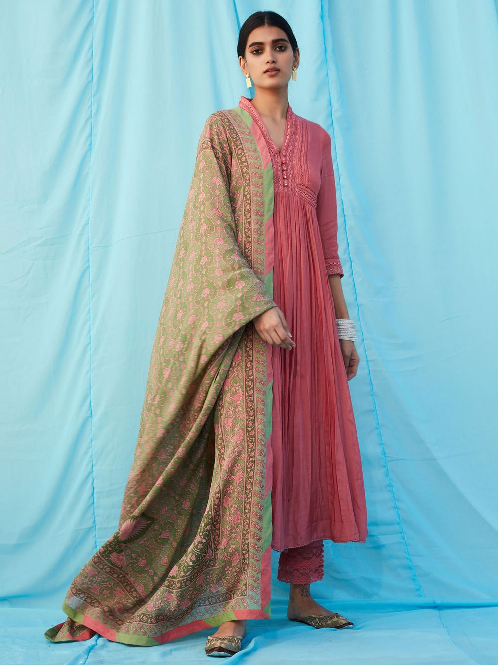 Pink Solid Suit Set With Printed Dupatta