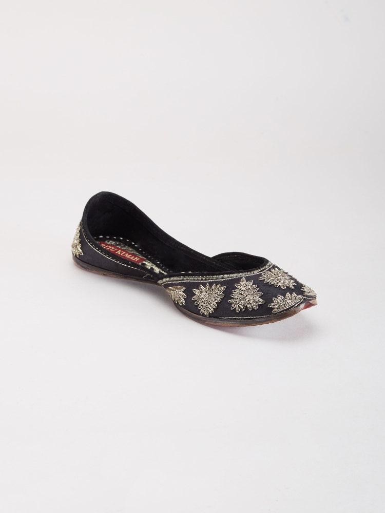 Black & Silver Humdum Embroidered Mojri