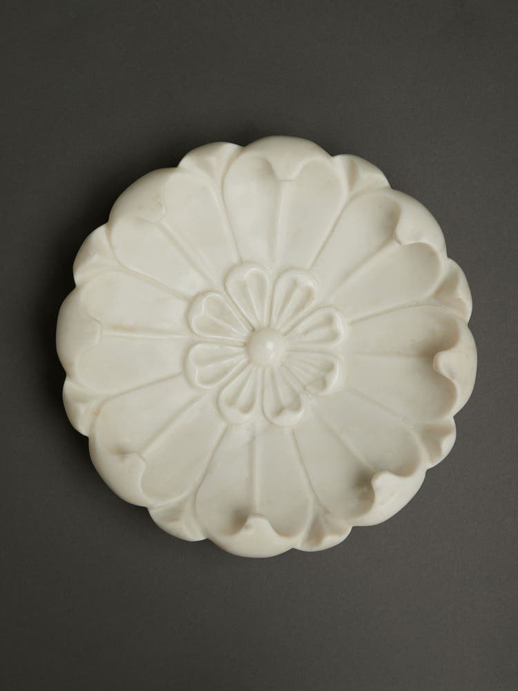 Curved Lotus Marble Décor