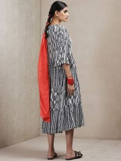 Black & White Geometric Print Dress