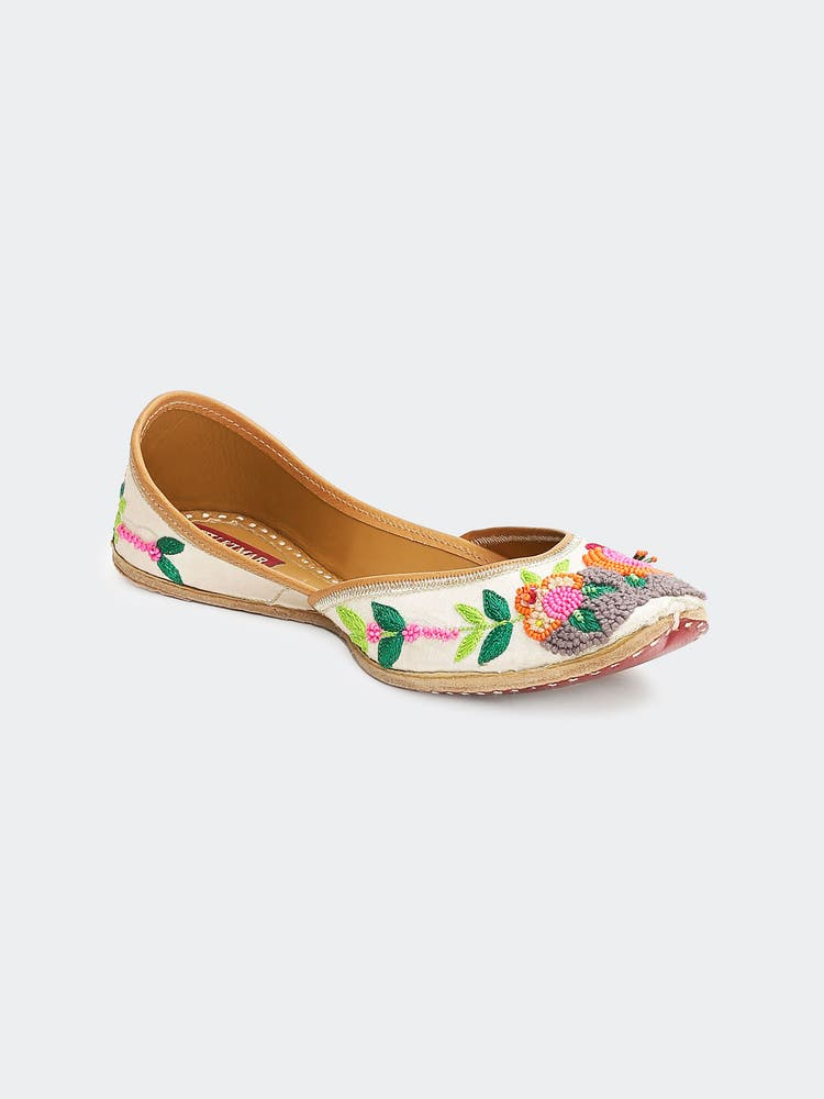Multi Colored Rang Rasiya Leather Mojari