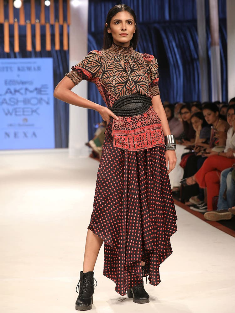 Radhika Apte in a Brown & Red Printed Kurti